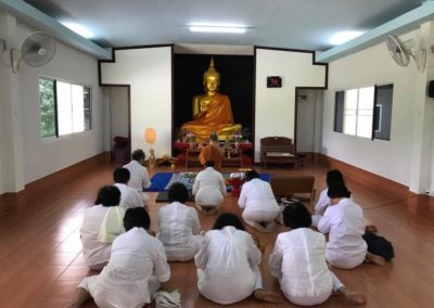If lay people have occasion they will appoint together to practise Vipassana meditation at BCDC Retreat Watsriboonruang Fang
